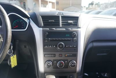 2011 Chevrolet Traverse LT w/1LT