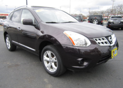 2011 Nissan Rogue SV, Nav, Backup Cam, Clean Carfax!