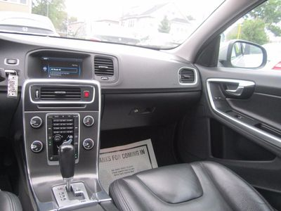 2011 Volvo S60 Moonroof, Clean carfax, 1 Owner!