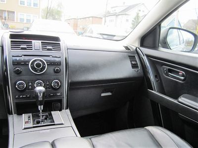 2011 Mazda CX-9 Touring, Leather, Clean Carfax, 3rd Row