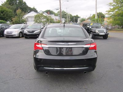 2011 Chrysler 200 Limited, Navigation, Leather, Clean Carf