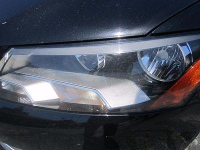 2012 Volkswagen Passat SE w/Sunroof & Nav PZEV
