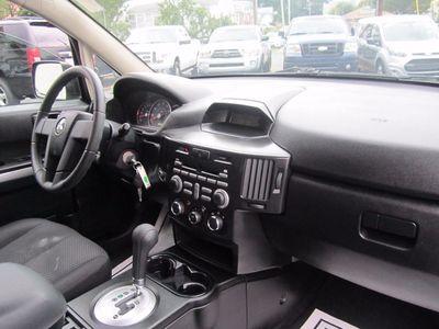 2011 Mitsubishi Endeavor LS, Clean Carfax!