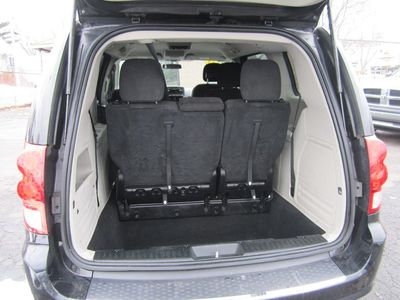 2013 Dodge Grand Caravan SE, Clean carfax, Stow n' Go