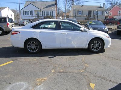 2017 Toyota Camry SE, 1 owner, backup camera, low mileage!