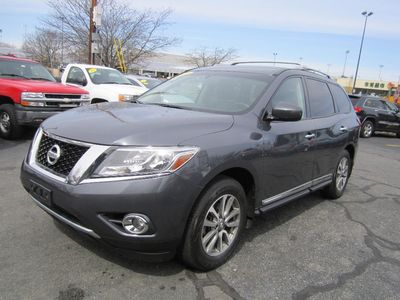 2013 Nissan Pathfinder SL,Clean carfax,1 owner,Backup cam, 3rd