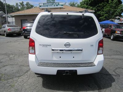 2009 Nissan Pathfinder SE, 1 owner,backup cam,DVD