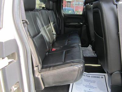 2009 Chevrolet Silverado 1500 LTZ, LEATHER, SUNROOF, LOW MILES!