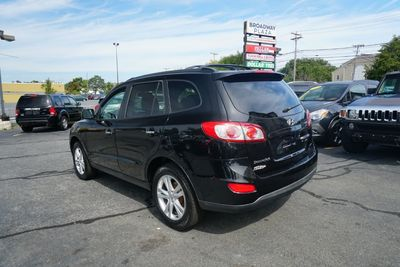 2012 Hyundai Santa Fe Limited, Navigation, Leather, Sunroof!