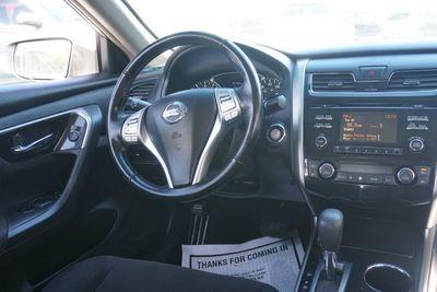 2013 Nissan Altima 2.5 SV, Clean Carfax!