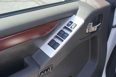 2008 Nissan Pathfinder LE, One Owner!