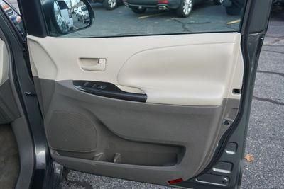 2011 Toyota Sienna LE