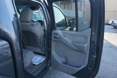 2012 Nissan Frontier SV, Crew Cab, 4X4