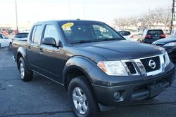 2012 Nissan Frontier SV, Crew Cab, Clean Carfax!