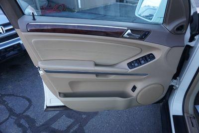 2011 Mercedes-Benz M-Class ML 350, AWD, NAVI, LOW MILES!
