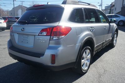 2011 Subaru Outback 3.6R Limited Pwr Moon