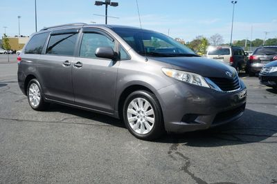 2011 Toyota Sienna LE 7 PASSENGER, AWD, BACK UP CAM