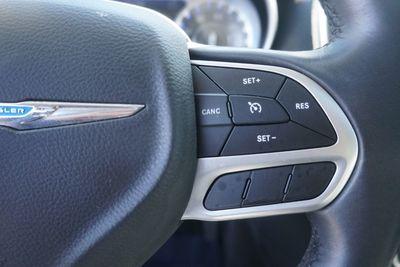 2017 Chrysler 300 Limited